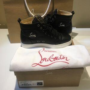 Signature Christian Louboutin Womens Flat Sneaker